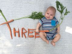 Nothing 'Beets' This Baby's Adorable Veggie Portraits Monthly Baby Photos, Baby Girl Photos, Newborn Pictures, Baby Pictures, Cute Baby Girl, Cute Babies, Baby Next, Baby Boy Photography, Photography Poses