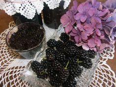 Ostružinová marmeláda (+) | Recepty Kořenísvěta.cz Blackberry, Fruit, Food, Syrup, Blackberries, The Fruit, Meals, Yemek, Rich Brunette