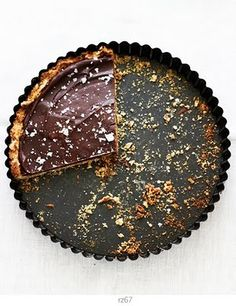 // chocolate pretzel tart