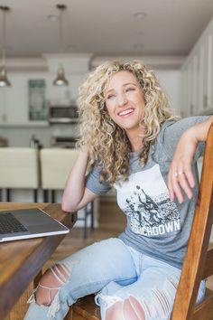 Personal Branding Lifestyle Photoshoot with Lindsay Mitrosilis x The Healthy Curly Blonde. Photographed in Oxnard, CA by Kristin Mansky of Modish Digital Health And Wellness Coach, Professional Women, Personal Branding, Curly Blonde, Pizza, Nutrition, Photoshoot, Lifestyle, Digital
