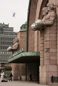Art Deco - Central train station in Helsinki, Finland Gothic Architecture, Architecture Details, Voyager C'est Vivre, Art Nouveau Arquitectura, Travel Around The World, Around The Worlds, Visit Helsinki, Art Deco Buildings, Art Deco Design