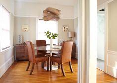 Get inspired by these dining room decor ideas | www.delightfull.eu #delightfull #diningroominteriordesign #modernchandeliers #modernhomelighting