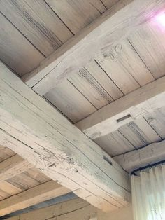 Simple Awesome White Wood Beams Ceiling Ideas For Home or Cottage Painted Wood Ceiling, Painted Beams, Wooden Ceilings, Wood Beams, Wood On Ceiling Ideas, Cheap Ceiling Ideas, Faux Beams, Whitewash Wood, Exposed Beams