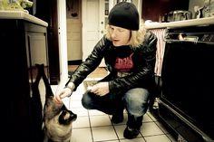 coreytaylorworld:  kitty kitty!