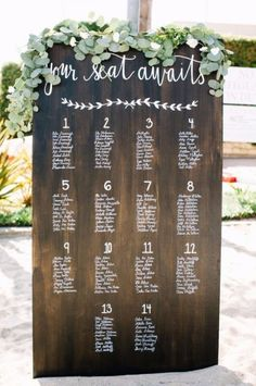 Invitaciones Mi Diseño CR saved to Rotafolios para Boda Wedding Seating Chart & Guest Chats Rustic Seating Charts, Seating Chart Wedding, Wedding Seating Arrangements, Wedding Centerpieces, Rustic Table Numbers, Table Seating Chart, Reception Seating, Perfect Wedding, Fall Wedding