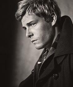 Hunter Parrish <3