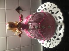 Chanel's Barbie cake. 4th birthday, Barbie Party.