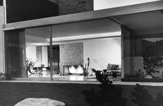 Kaufmann House, Palm Springs, CA. 1947,  Architect: Richard Neutra.