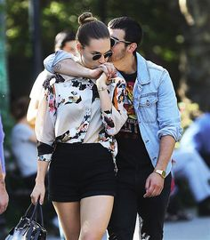 By Wonderwall EditorsIt's easy to get caught up in negative news about celebs, but it's also nice to take a break to watch celebs being really sweet. Click through to check out some cute celebs showing off their love. Joe Jonas and his girlfriend Blanda Eggenschwiler are so in love they only have eyes for each other. On Sept. 10, the singer wrapped an arm around his lady and smooched her head. She reciprocated with a kiss on his hand.