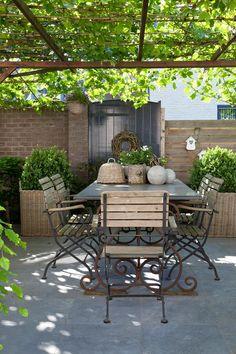 gorgeous outdoor rooms will inspire your summer entertaining 22 - Garten Desing Metal Pergola, Pergola Shade, Pergola Kits, Outdoor Rooms, Outdoor Gardens, Outdoor Living, Outdoor Decor, Backyard Patio, Backyard Landscaping