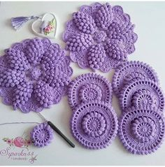 leicht neuen I occasionally try to knit my head aching and sometimes stubbornly . Col Crochet, Crochet Round, Crochet Home, Crochet Motif, Irish Crochet, Crochet Doilies, Crochet Stitches, Crochet Flower Patterns, Doily Patterns