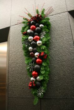 Extra Long Christmas Swag decorated in Black and Red ornaments Christmas Swags, Silver Christmas, Christmas 2014, Holiday Time, Holiday Ideas, Holiday Decor, Christmas Projects, Christmas Ideas, Cemetery Decorations