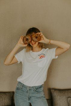 🍩 DONUT WORRY 🍩 - 🇫🇷- Que votre samedi soit aussi doux que ces deux donuts !  Le mien a commencé dans la bonne humeur, le gras et le chocolat.  Sinon j'ai récemment trouvé ce petit t-shirt chez @hm. Je le trouve trop fun ! 💁🏼♀️ -🇺🇸- May your Saturday be as sweet as those two donuts ! Mine started with good vibes, fats and chocolate.  Oh and I recently found this cute little t-shirt at @hm. Isn't it fun?! 💁🏼♀️ Freckles, Donuts, T Shirts For Women, Photo And Video, Fun, Instagram, Tops, Fashion, Good Mood
