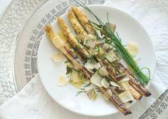 Eine vegetarische Grillparty, gegrillter Spargel, grilled asparagus, yummi, parmesan