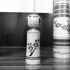 """""""この手の栄治作は初めてみました。小倉勝志工人の描く表情はこれに近いのかも。#東京こけし友の会 12月例会ギャラリーより"""" Photo taken by @ahoujazz on Instagram, pinned via the InstaPin iOS App! http://www.instapinapp.com (12/14/2015)"""