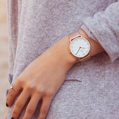 our brand new Mesh Kapten watch is available in rosegold or silver. Get your one at www.kapten-son.com.