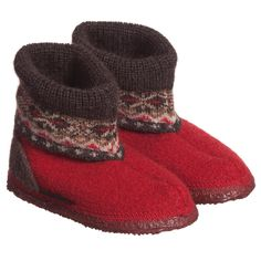 <span>These traditional Austrain slippers by Giesswein are in a bootee style and are made from boiled wool with a knitted high-top. They have non-slip and flexible natural latex soles that are both shock absorbing and heat insulating.<br /></span> <ul> <li>100% virgin wool (soft feel)</li> <li>Flexible latex soles</li> <li>Hand wash</li> <li>Pull-on</li> <li>Suitable for boys & girls</li> <li>Made in Austria</li> </ul>