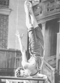 Martha Graham, Patrick Dupond, Ballet Dance, Ballet Shoes, Leg Raises, Lets Dance, Dancing In The Rain, His Hands, Dancer