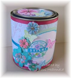 altered paint can Recycled Tin Cans, Recycled Crafts, Tin Can Crafts, Fun Crafts, Diy Recycle, Recycling, Craft Desk, Tin Containers, Metal Tins