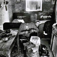Roman Vishniac Basement Apartment Workshop in the Jewish District, Two ...