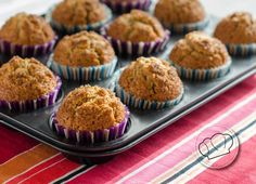 Magdalenas integrales con yogur natural y miel Yogurt, Honey Whole Wheat Muffins Healthy Desserts, Dessert Recipes, Doce Light, Whole Wheat Muffins, Bolo Fit, Sweet Cooking, Eat Dessert First, Muffin Recipes, Hummus