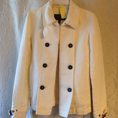 Burberry jacket size 2 Gorgeous jacket Burberry Jackets & Coats Trench Coats