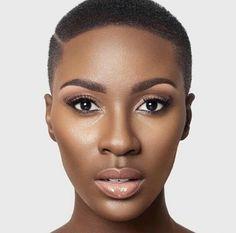 Deep Side Part Big Chop Black woman Women of colour dark skin makeup natural makeup Natural Hair Cuts, Natural Hair Styles, Natural Makeup, Simple Makeup, Natural Beauty, Brown Skin, Dark Skin, Pelo Natural, Flawless Makeup