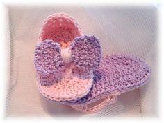 Baby Flip-Flop Sandalen met Strikjes~Roze/Lila van Titfer Designs op DaWanda.com