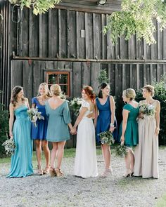 Reversible bridesmaid dresses by Twice as nice and we say yes! Pastel Bridesmaid Dresses, Wedding Bridesmaids, Wedding Dresses, Wedding Shoes, Blue Wedding, Wedding Inspiration, Wedding Ideas, Durga Kali, Cerulean