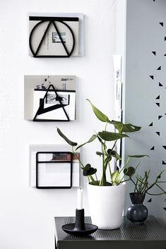 Magazine Rack Loge by @housedoctordk - Soon in our shop Accessorize your Home
