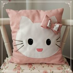 Bow Pillows, Cute Pillows, Sewing Pillows, Diy Wooden Projects, Sewing Projects, Cushion Cover Designs, Diy Pillow Covers, Flower Pillow, Animal Pillows