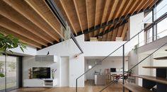 Galería de Casa de largo techo a cuatro aguas / Naoi Architecture & Design Office - 3
