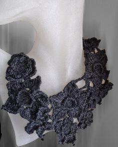 Freeform crochet necklace Fantaisie noire
