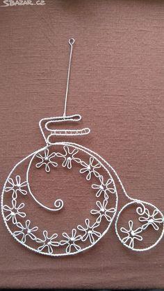 Kolo dekorace z drátu. Jako nová, vhodná - obrázek číslo 1