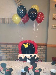 Laura A's Birthday / Mickey Mouse - Photo Gallery at Catch My Party Mickey 1st Birthdays, Mickey Mouse Clubhouse Birthday Party, Mickey Mouse 1st Birthday, Mickey Mouse Parties, Mickey Party, Baby 1st Birthday, Boy Birthday Parties, Birthday Ideas, Mickey Mouse Cupcakes