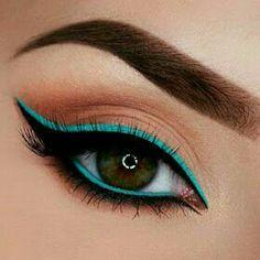 Skin Makeup, Eyeshadow Makeup, Eyeshadows, Makeup Brushes, Makeup Remover, Navy Eyeshadow, Holographic Eyeshadow, Eyeshadow Brands, Cat Eye Makeup