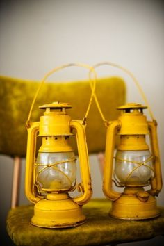 I SO love these yellow lanterns! You can hang them from the corner of the room, place them on a pile of books for an instant pop of color in your room. Or use them in a fun photoshoot like I did! You can see more of the lanterns used in the shoot HERE Mellow Yellow, Mustard Yellow, Color Yellow, Yellow Theme, Bright Yellow, Plascon Colours, Jaune Orange, Yellow Fever, Yellow Daisies