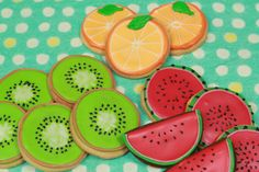 Cute fruit by Shon-Py Heart Fruit Cookies, Crazy Cookies, Galletas Cookies, Iced Cookies, Cute Cookies, Sugar Cookies, Sugar Cookie Frosting, Royal Icing Cookies, Pastry Design