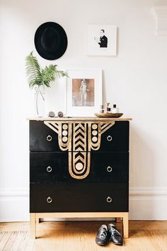 DIY Art Deco Dresser from Make It Yours (Book) by Yellow Owl Workshop& Chri. DIY Art Deco Dresser from Make It Yours (Book) by Yellow Owl Workshop& Chri… DIY Art Deco Dresser from Make It Yours (Book) by Yellow Owl Workshop& Christine Schmidt Art Deco Furniture, Painted Furniture, Diy Furniture, Furniture Design, Furniture Makeover, Rustic Furniture, Refurbished Furniture, Modern Furniture, Furniture Websites