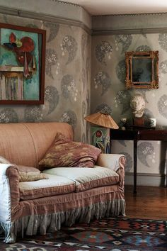 Shabby elegant scene /Decor Design Review