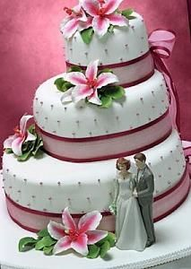 pasteles de boda elegantes-pastel-boda-flores-verano.jpg