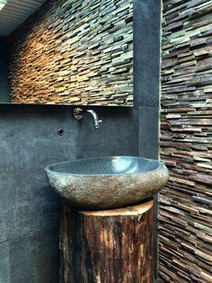 Impermo, goedkope tegels, badkamer, panelen, houten strips, houtstrips, moderne badkamer lavabo blauwe steen