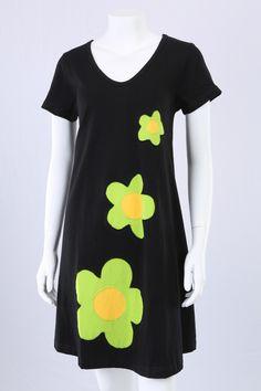 Sort A-kjole med 3 blomster.