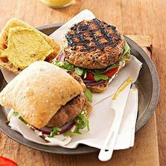 Grilled Herb Burgers We mixed oregano, basil, onions, and garlic into these beef and turkey patties for an extra-flavorful burger recipe. The light and healthy version is perfect for a summer cookout. Healthy Beef Recipes, Low Carb Dinner Recipes, Burger Recipes, Diabetic Recipes, Grilling Recipes, Cooking Recipes, Diabetic Foods, Grilling Tips, Healthy Grilling
