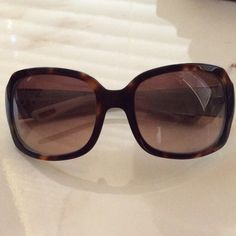 9c26eb0e9d I just discovered this while shopping on Poshmark: Ralph Lauren sunglasses.  Check it out