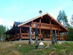 Sallainen Naruska Sallainen Naruska is a 150 m2 cottage made of hand-shaved aihki logs (timber made of old, slowly grown pine) in 2004, in ...