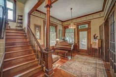 Beautiful Home in the Historical District of Hattiesburg. Built in 1908. Owners have lovingly refurbished the home for the past 40 plus years.