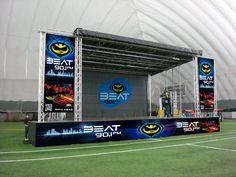 Diseño de escenario para concierto Beat 90.1