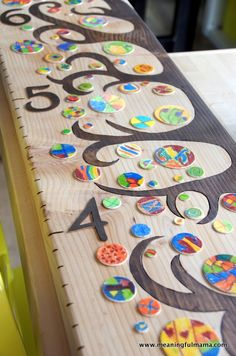 This DIY wooden tree growth chart was my solution to our classroom auction project last year. Classroom Auction Projects, Art Auction Projects, Class Art Projects, Projects For Kids, Auction Ideas, Project Ideas, Welding Projects, Crafty Projects, Classroom Ideas