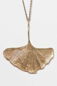 Ginkgo necklace. @Lauren Davison Cox made me think of you!